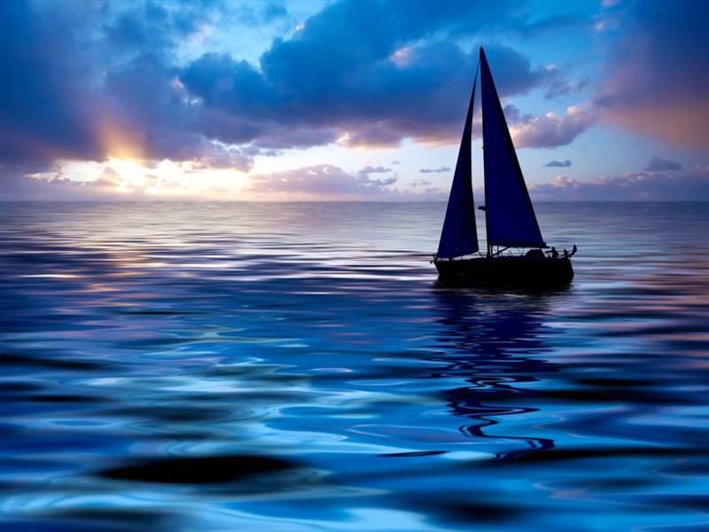 boat in blue sea]