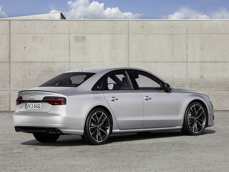 2016 Audi S8 Plus Rear View Image