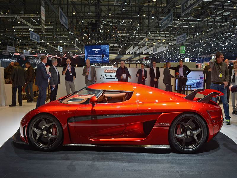 Koenigsegg Regera Side View Image
