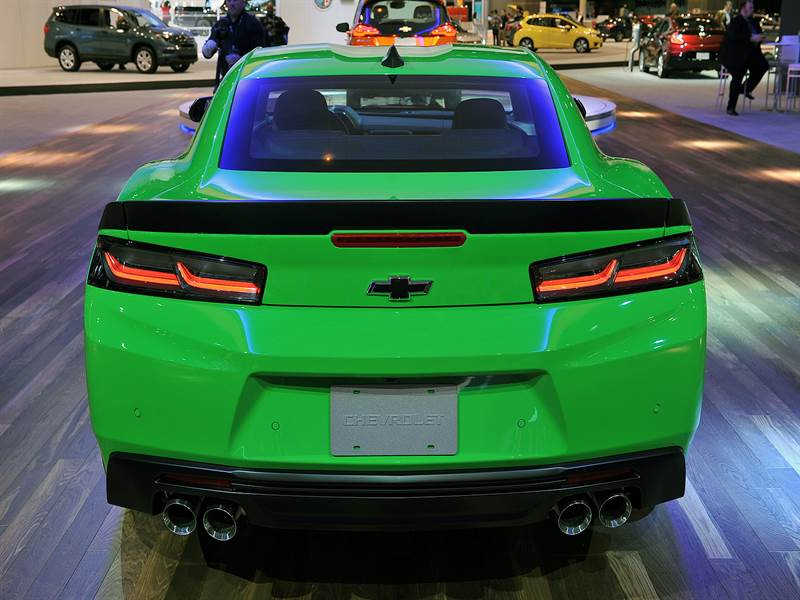 2017 Chevy Camaro Rear View Image