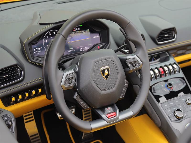 2016 Lamborghini Huracan Interior View Photo
