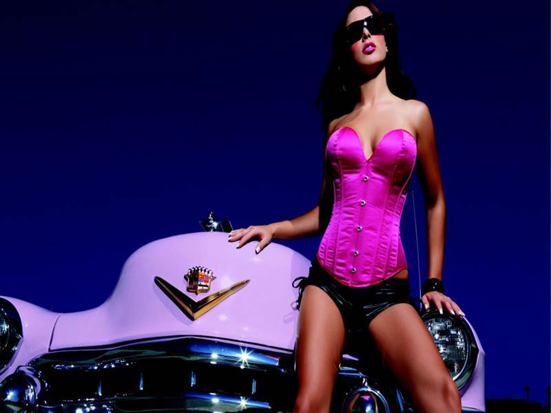 Girl with car - Photo