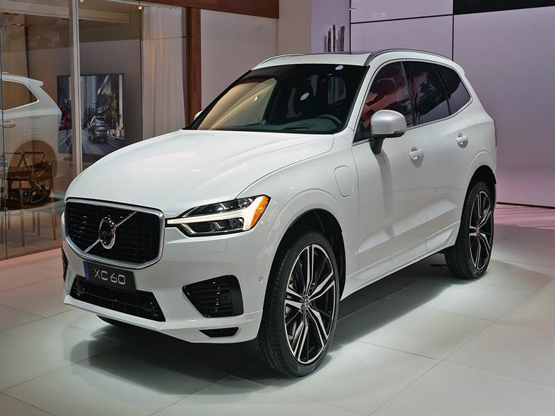 2018 Volvo XC60 Exotic Wallpaper